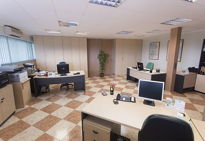 oficinas-almacen-distribuidor-de-hilos-marrahi
